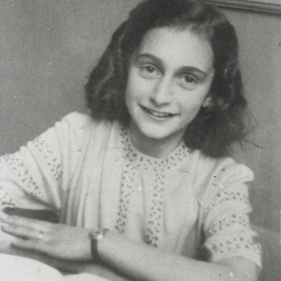 Let Me Be Myself – The Life Story of Anne Frank